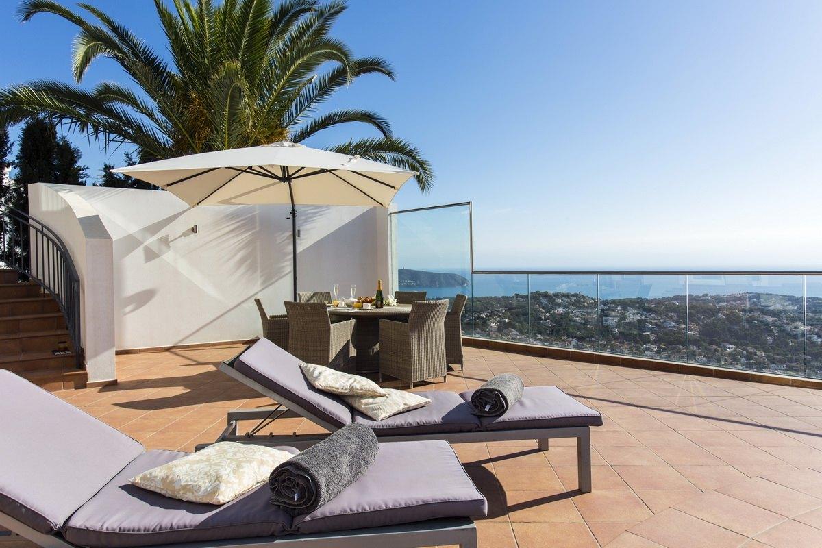 Villa lujosa con impresionantes vistas al mar en venta en Benissa