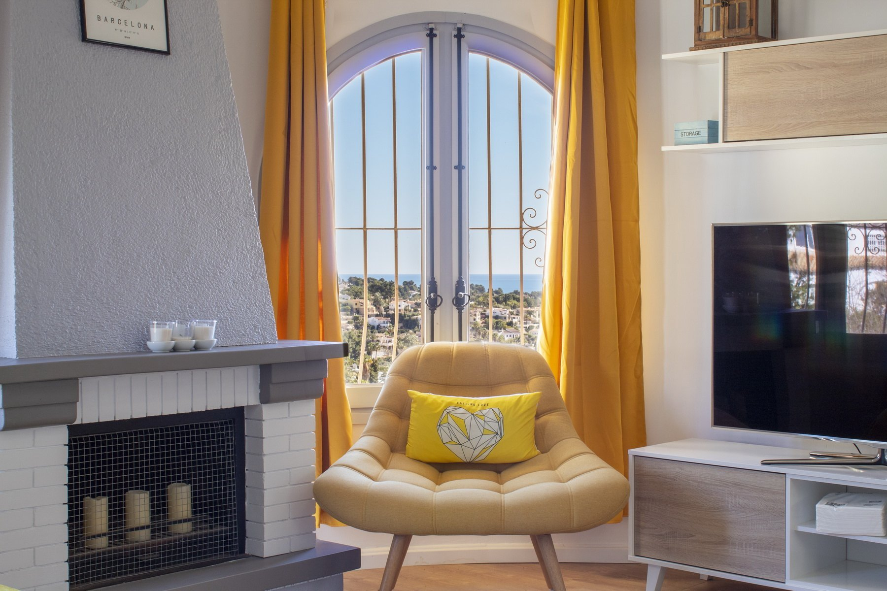 Casa reformada con vista al mar en venta en Benissa