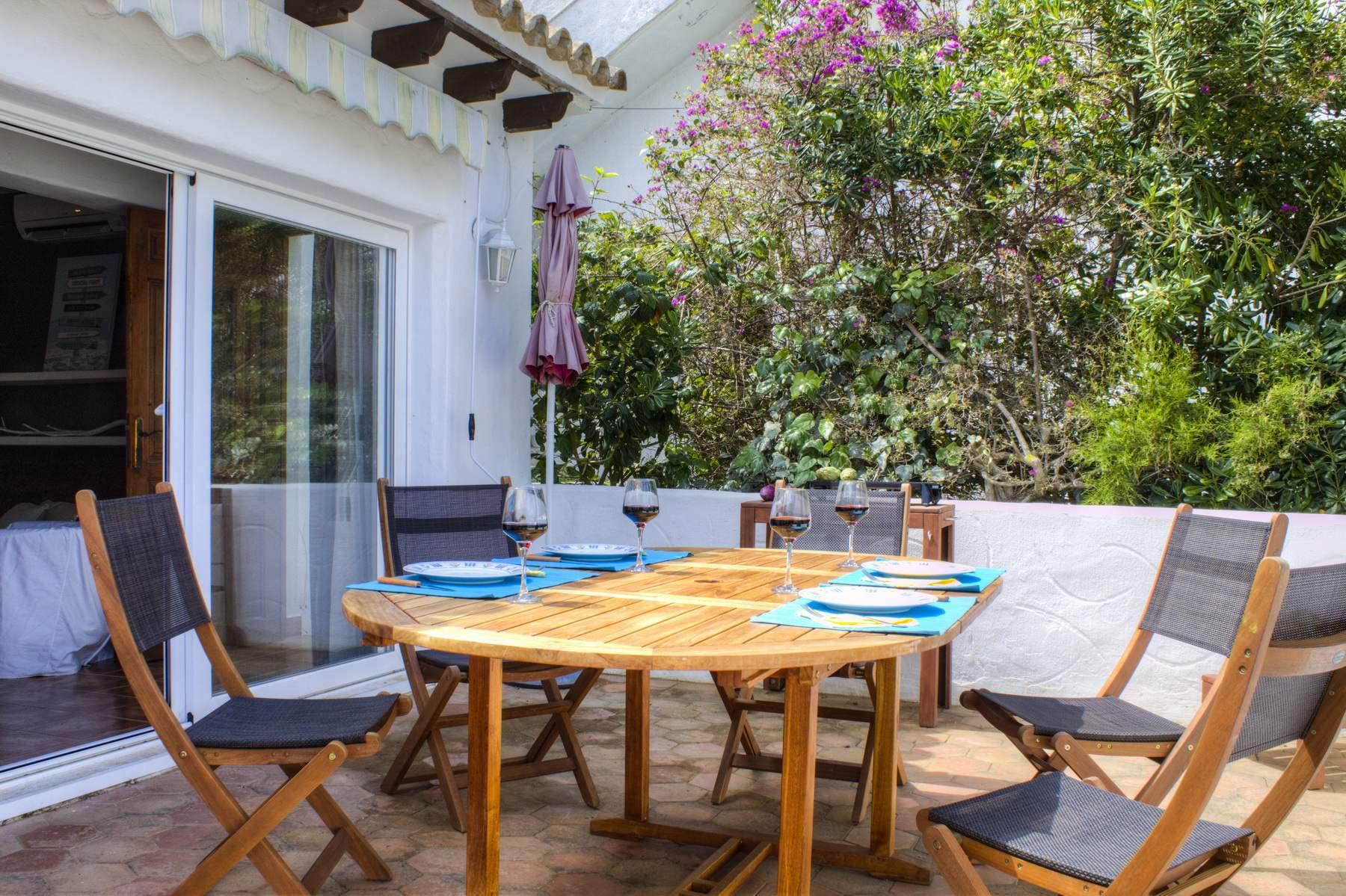 Agradable apartamento en venta en Villotel, Moraira